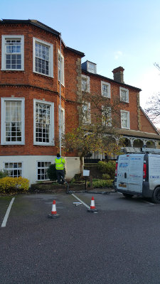 Gutter cleaning in Redhill RH1